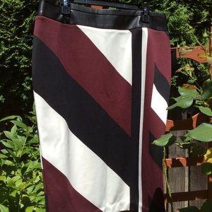 New worthington skirt bold pattern leather waist